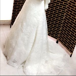 Beautiful Wedding Dress !!
